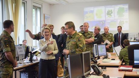 Setzt auch im Cyberspace auf Offensive: Verteidigungsministerin Ursula von der Leyen
