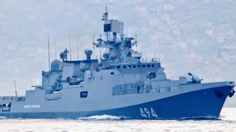 Russische Fregatte Admiral Grigorowitsch passiert Bosporus auf dem Weg nach Syrien