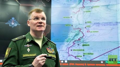 Generalmajor Konaschenkow gibt am 7. April eine Pressekonferenz zum US-amerikanischen Luftangriff in der syrischen Provinz Homs.