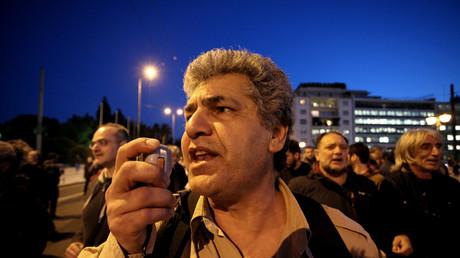 Während die EU Finanzminister in Valetta über Griechenlandkredite beraten, protestieren am 6. April 2017 wiedereinmal etliche Griechen in Athen gegen das Spardiktat.