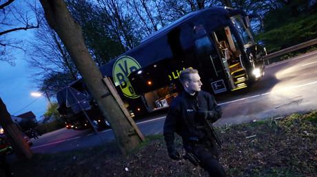 Nach drei Explosionen am Mannschaftsbus von Borussia Dortmund ist das Champions-League-Spiel am gestrigen Abend gegen den AS Monaco abgesagt worden.