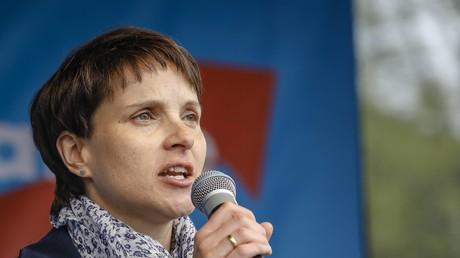 AfD-Chefin Frauke Petry auf Stimmfang in Nordrhein-Westfalen.