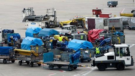 Air Berlin warnt vor Problemen bei Gepäckabfertigung am Flughafen Tegel über Ostern