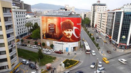 Türken entscheiden in Volksabstimmung über Verfassungsreform
