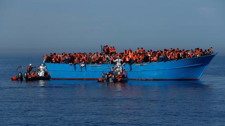 Privates deutsches Rettungsschiff auf Mittelmeer in Seenot (Archivbild)