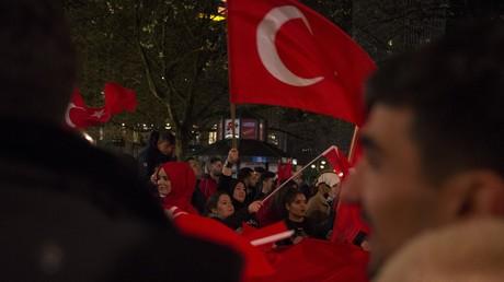Türkische Opposition fodert Ergebnisse des Verfassungsreferendums für ungültig zu erklären