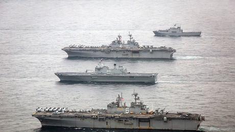 Amphibische Kriegsschiffe der US-Marine vor der Küste der koreanischen Halbinsel, 8. März 2016.