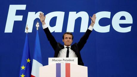 Emmanuel Macron nach Verkündigung der ersten Hochrechnungen in Paris.