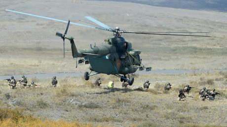 Baltische Medien greifen im Vorfeld der für den Herbst angesetzten russisch-weißrussischen Militärübung zum Aluhut.