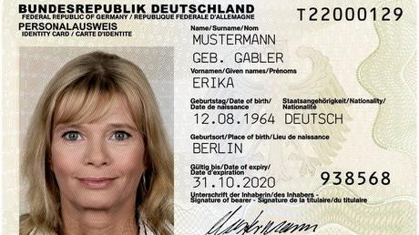 Der wohl bekannteste Personalausweis Deutschlands: Erika Mustermann, geb. Gabler. Bild:  Public Domain Bundesrepublik Deutschland, Bundesministerium des Innern