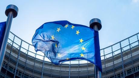 EU unterzeichnet 420 Millionen-Euro-Investitionsabkommen mit griechischen Banken