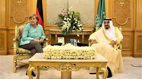 Deutsche Bundeskanzlerin Angele Merkel und der saudische König Salman bin Abdulaziz Al Saud in Dschidda, Saudi-Arabien am 30. April 2017.