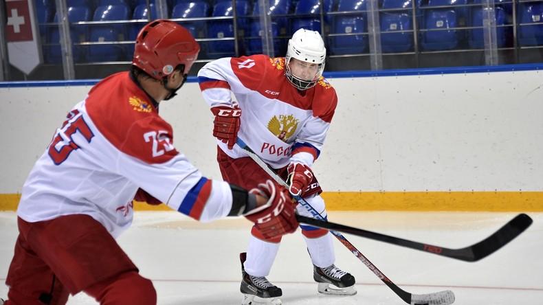 Eishockey präsidial: Wladimir Putin mit Ski-Legende Killy beim Training in Sotschi