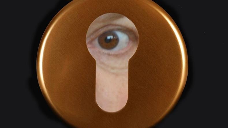 Knallhart recherchiert: Correctiv spioniert jetzt auch im Schlafzimmer