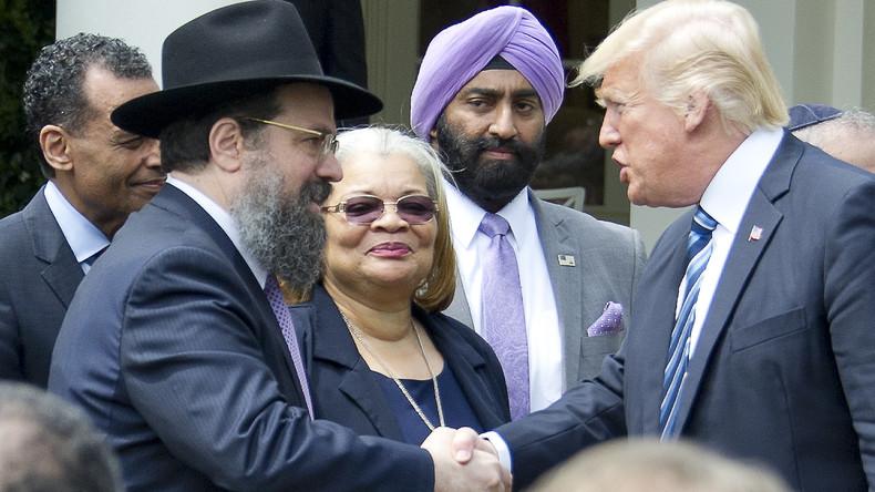 Trump mildert Bedingungen für politische Tätigkeit bei Glaubensgemeinschaften