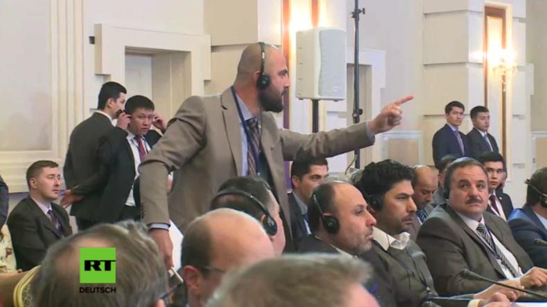 Yasser Abdel-Rahman von der FSA unterbrichte Friedensgespräche für Syrien .