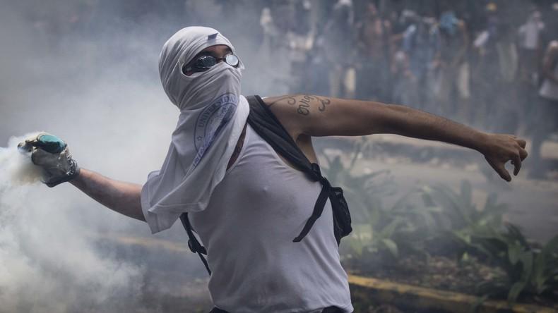 35 Tote und über 700 Verletzte nach einem Monat Protest in Venezuela