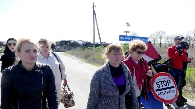Ukraine: Mütter aus Donezk besuchen ihre Söhne in ukrainischer Gefangenschaft