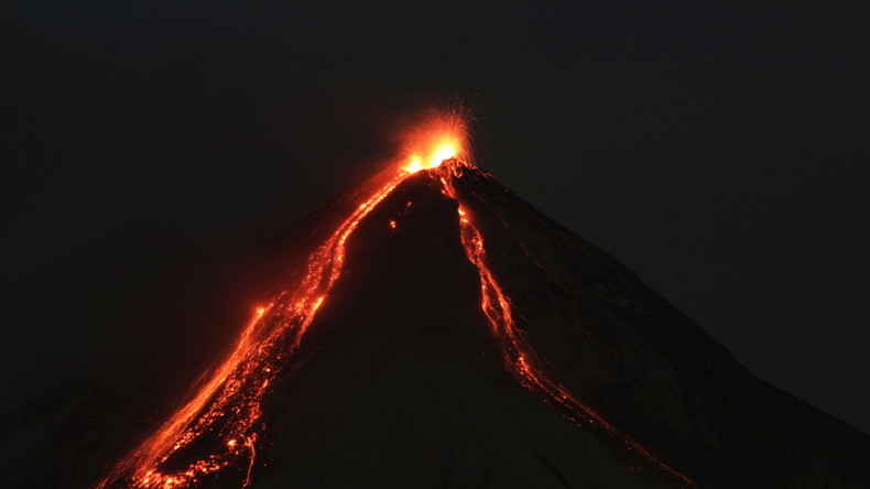 Guatemalas Behörden evakuieren 300 Einwohner nach Ausbruch des Feuer-Vulkans