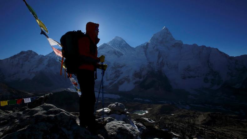 Nepal erteilt Rekordzahl an Lizenzen zur Besteigung des Mount Everest