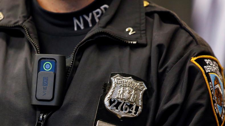 US-Polizist stellt sich wegen Mordes an schwarzem Jugendlichen