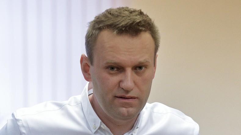 Russischer Oppositioneller Nawalny nach Augenoperation in Spanien wieder zurück