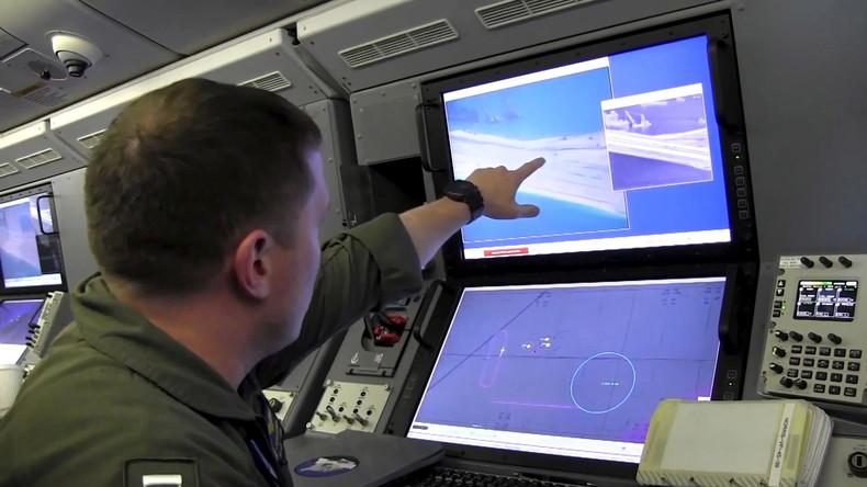 Russisches Verteidigungsministerium: Su-30 Kampfjet fing US-Spionageflugzeug über Schwarzen Meer ab