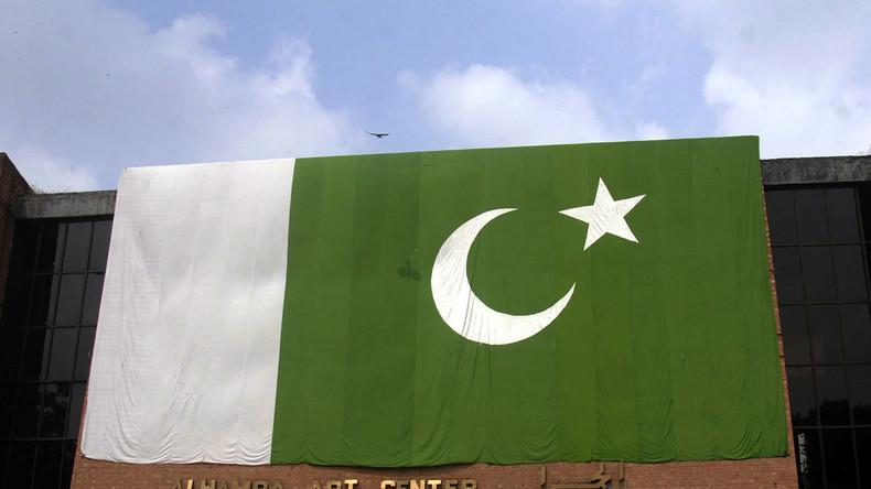 Mindestens zwölf Tote bei Bombenanschlag auf hohen Politiker in Pakistan