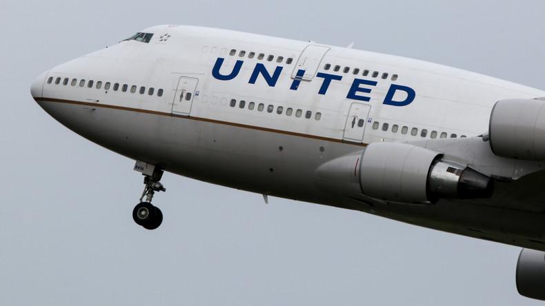 Nun kann jeder in Flugkabine - Cockpit-Passwörter von Piloten der United Airlines ins Netz geleakt