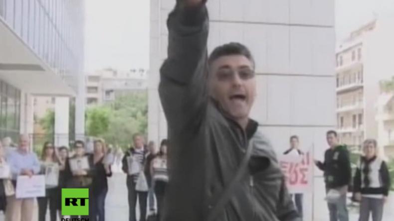 """Griechenland: """"Es gibt keine Gerechtigkeit"""" - Onkel von Mordopfer eröffnet Feuer vor Gericht"""