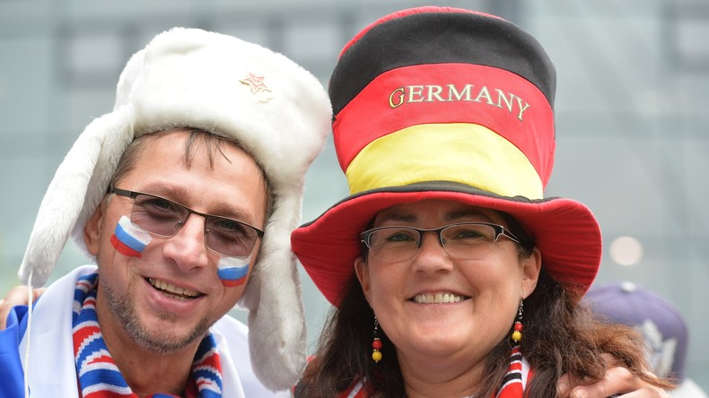 So verschieden und doch ein gemeinsames Ziel: Fan-Verkleidungen bei der Eishockey-WM