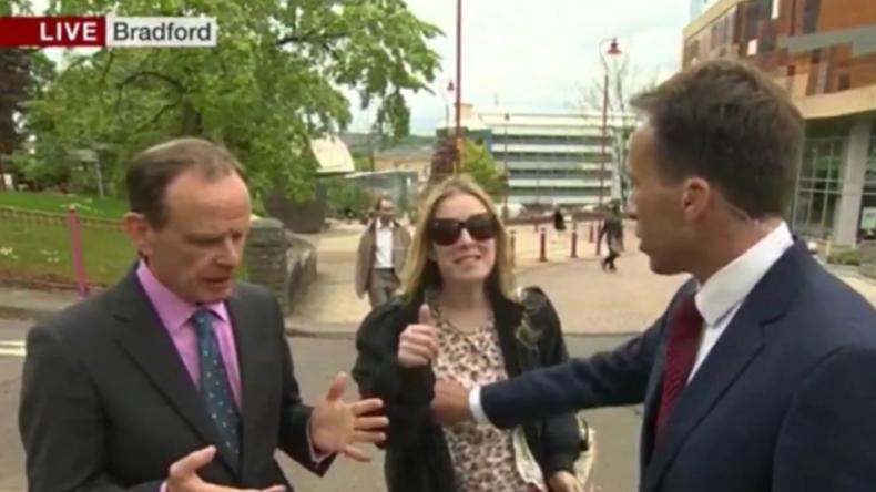 Busengrapscher vor laufender Kamera: Corbyn-Unterstützerin schlägt BBC-Vertreter
