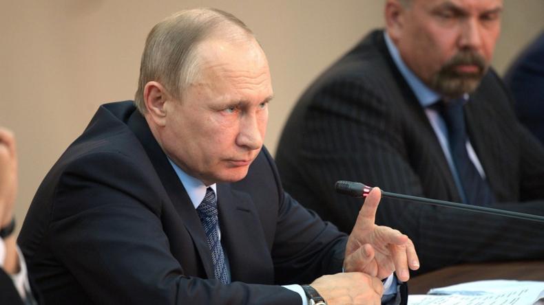 Live: Putin und italienischer Ministerpräsident Gentiloni geben Pressekonferenz in Sotschi