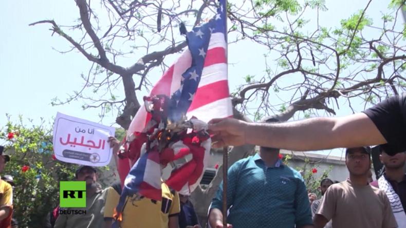 Palästinenser verbrennen US-Flagge zum Tag der Nakba