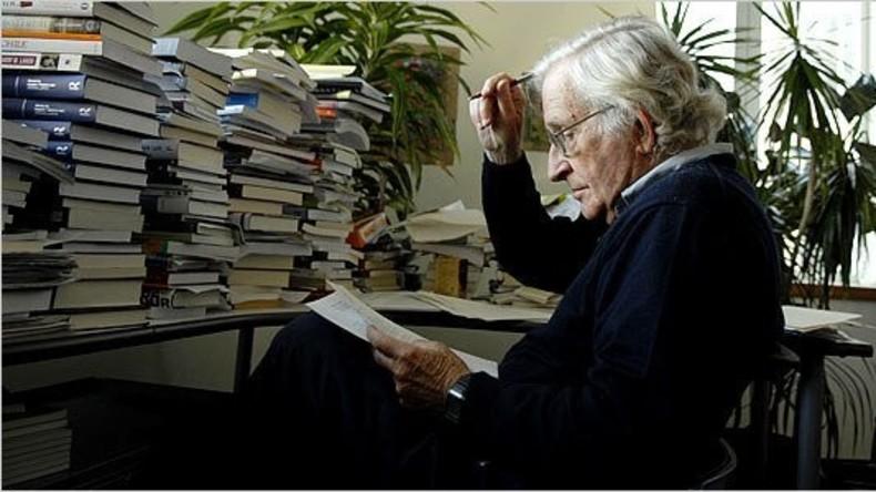 Requiem für den amerikanischen Traum: Neues Buch von Noam Chomsky