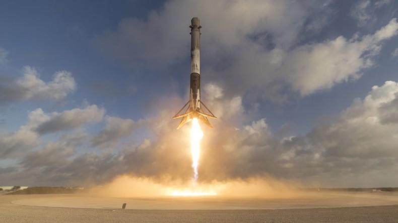 Falcon 9 von SpaceX bringt Asche von Verstorbenen ins All