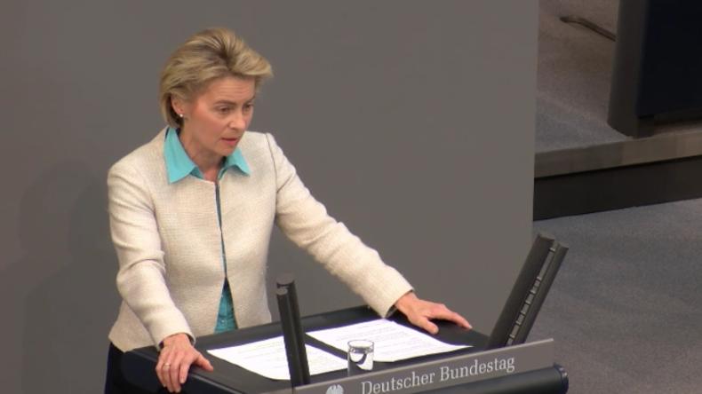 """Bundestag: Abgeordnete üben scharfe Kritik an von der Leyen - """"Sie tragen die Verantwortung!"""""""