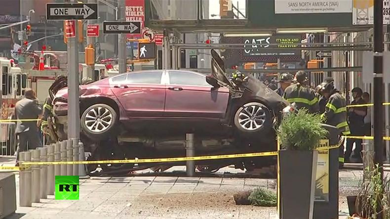 Live aus New York: Auto rast in Passantenmenge auf Times Square - 1 Toter, 13 Verletzte