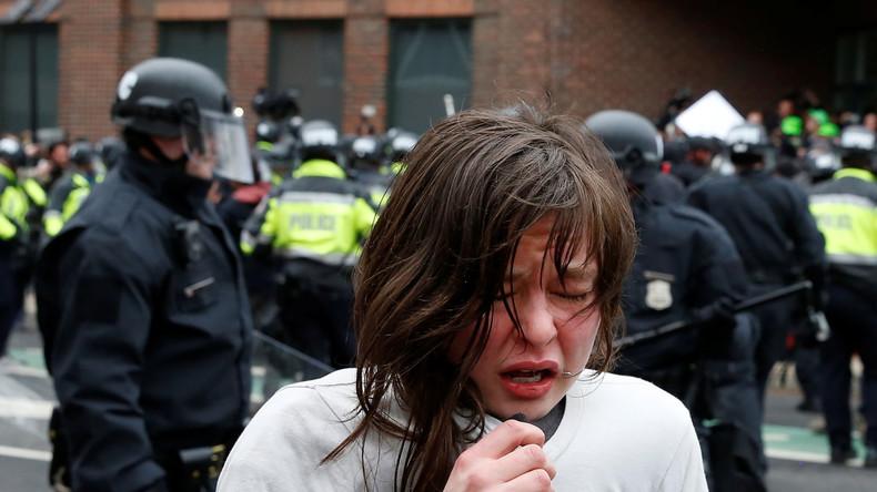 USA: Extrapunkte für brutalen Pfefferspraytest im Unterricht