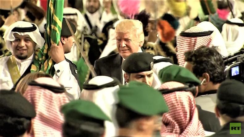 Waffendeal besiegelt: Trump tanzt traditionellen Schwerttanz mit Saudis