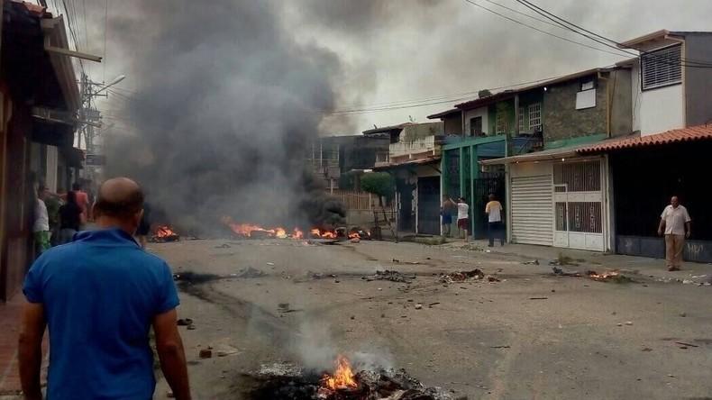 Venezuela: Protestler setzen Geburtshaus von Hugo Chavez in Brand