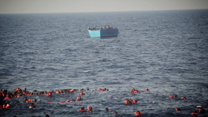 Wieder größeres Flüchtlingsunglück - Boot kentert mit Kindern