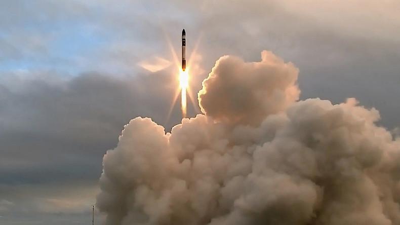 Der weltweit erste private Weltraumbahnhof schickt eine Rakete ins All