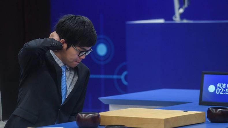 Künstliche Intelligenz von Google besiegt menschlichen Weltmeister im Go-Spiel