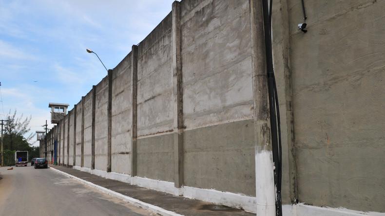 Fast hundert Häftlinge fliehen durch Tunnel aus Gefängnis in Brasilien