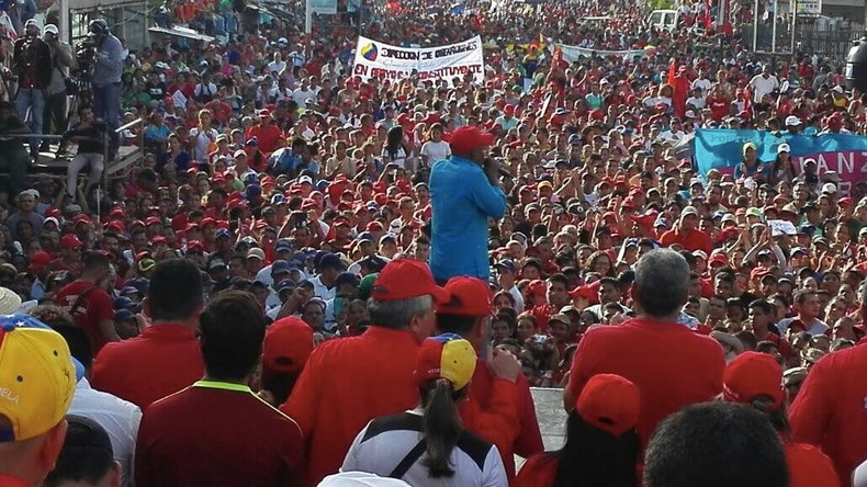 Venezuela: Zehntausende Demonstranten unterstützen die Regierung