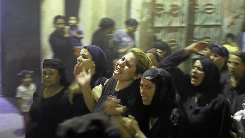 Bewegende Bilder: Koptische Christen beerdigen die Opfer des Terroranschlags in Ägypten