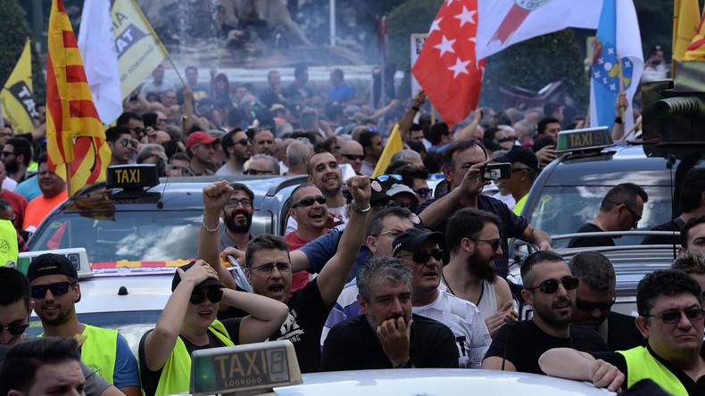 Spanische Taxifahrer streiken gegen Uber und Cabify