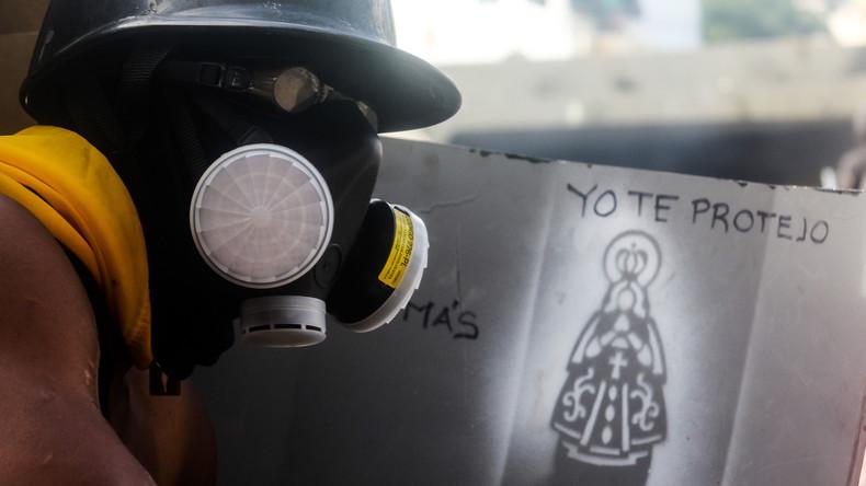 Proteste in Venezuela - Polizei treibt Studenten mit Tränengas auseinander