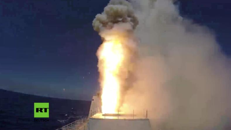 Syrien: Russische Fregatte und U-Boot zerstören IS-Positionen nahe Palmyra